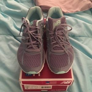 New balance running shoes new 8.5 gray teal